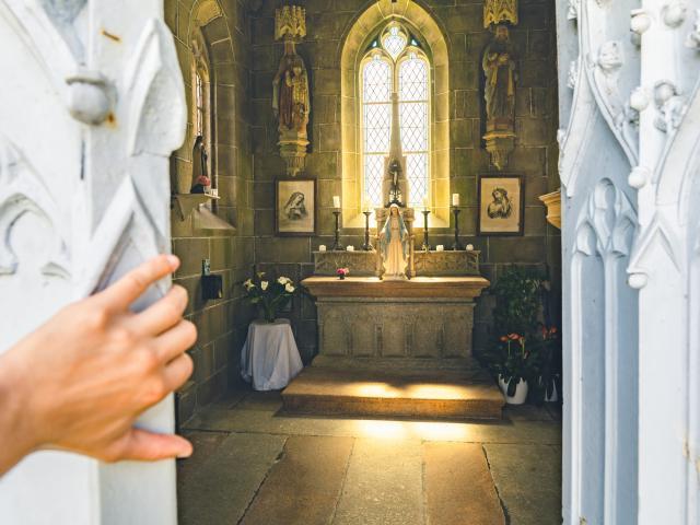 Chapelle Du Calvaire La Roche Derrien