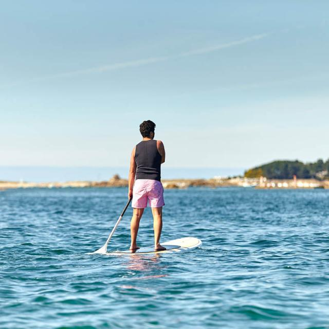 Stand Up Paddle sur la Côte de Granit Rose