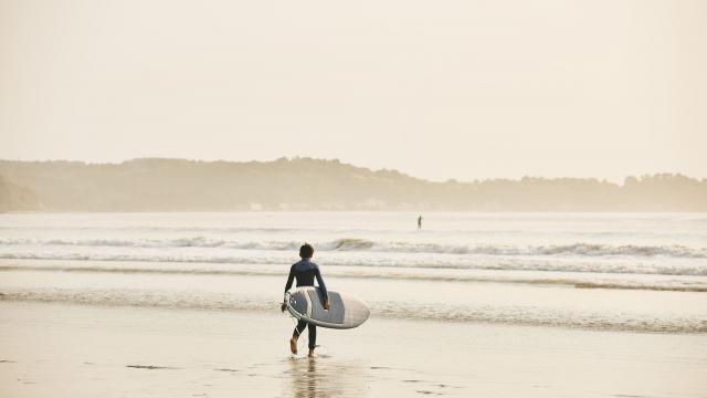 surf-lieue-de-greve-1.jpg